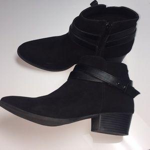 8.5 Lauren Conrad black booties